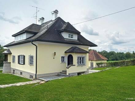 Renovierte Altbau Villa in top Lage
