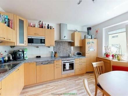 Steinach am Brenner: Gepflegte und helle 4-Zimmer-Wohnung in Ruhelage mit Balkon