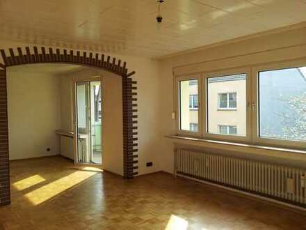 Leichlingen Zentrum! Helle 3-Zi. Wg, mit Balkon 2.OG, 93m², Wannenbad mit Fenster!