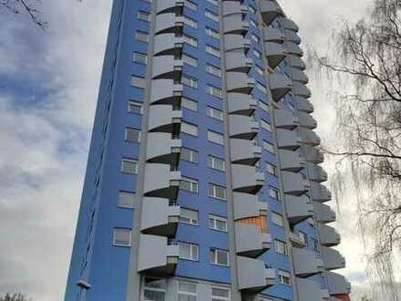 Exklusive, frisch renovierte 3-Zimmer-Wohnung mit Balkon und Einbauküche in Stuttgart
