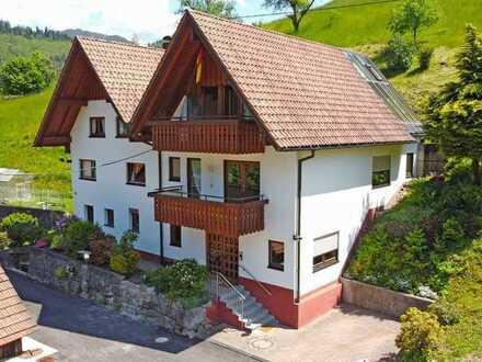 Ottenhöfen Wolfersbach: Zweifamilienhaus in idyllischer Lage