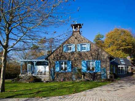 Herrschaftliches Anwesen mit Pferdestallungen, weitläufigen Koppeln, Wiesen und Wäldern