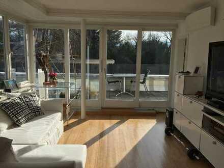 Exklusive, gepflegte, möblierte 2-Zimmer-Penthouse-Wohnung mit Balkon im Zentrum von Baden-Baden