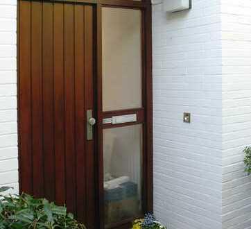 Schönes Haus mit fünf Zimmern in Hamburg, Volksdorf