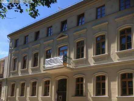 Bild_Wohnen am Lennépark - modern sanierte 4 Zi. Altbauwohnung im EG mit Balkon, ca. 100 m²
