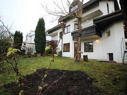 Lage, Lage, Lage: Doppelhaushälfte mit schönem Garten in nachgefragter Lage von Böblingen!