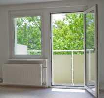 Modernisierte 3-Zimmer-Wohnung mit Balkon und EBK in Borna Stadt