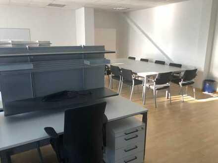 Vollständig ausgestattetes, möbliertes Büro incl. Netzwerkverkabelung und Teeküche !