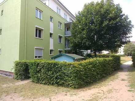 5-Raum-Erdgeschosswohnung mit Terrasse, Garten, Balkon und Einbauküche in Hanau