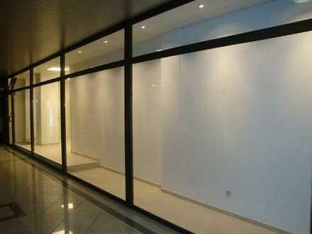 Kleiner Laden oder Büro mit großer Schaufensterfront! Nähe Bahnhof!