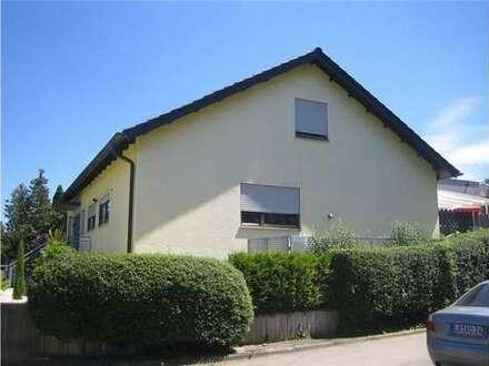 Dachgeschoß -Wohnung mit toller großer Terrasse - sofort frei!