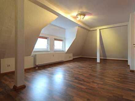 ***Traumhafte DG- Wohnung in Oberlungwitz***