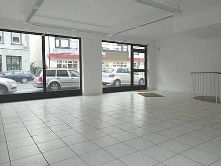 *** Hervorragende Lauflage! Renoviertes Ladengeschäft direkt auf der Einkaufsmeile! ***