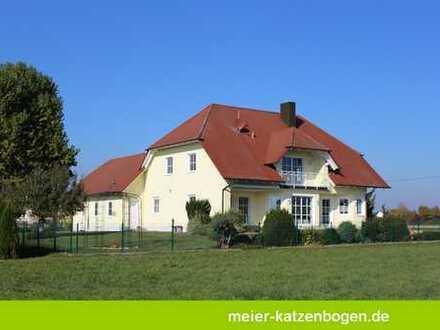 Hochwertiges Wohnhaus mit Dreifachgarage in Neuburg an der Donau