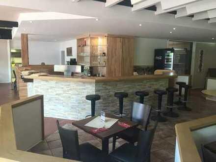 Schönes großes Restaurant/Café mit großer Sonnenterrasse der TG 49 Bochum zu verpachten