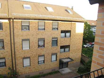 Helle 3-Zi.-Wohnung mit Balkon in Goldbach, nähe Waldschwimmbad