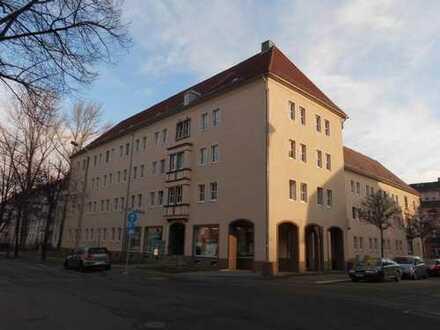 **4 - Raum wohnung mit Balkonund Stellplatz**