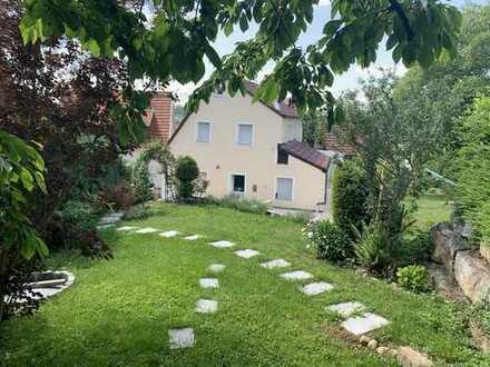 Modernisiertes Einfamilienhaus mit fünf Zimmern und Einbauküche in Lichtenwald, Lichtenwald