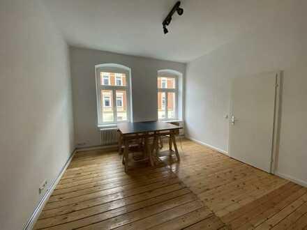 Schönes möbliertes Büro / Einzelräume ab 17 qm oder gesamte Einheit mit 90 qm
