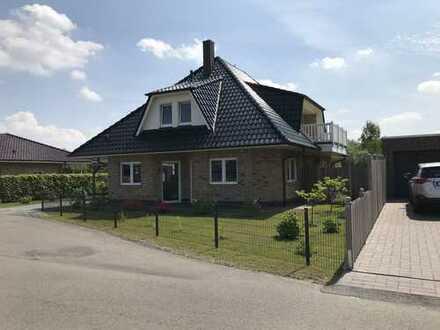 Exclusiv wohnen-Direkt am Wasser-mit Bootsanleger-Architektenhaus mit Garten, hochwertiger Ausstatt.