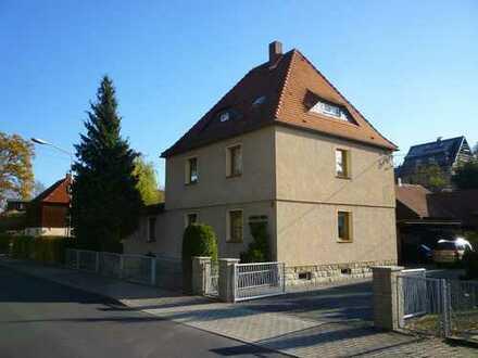 Zweifamilienhaus mit zusätzlichen 350m² im Hinterhaus