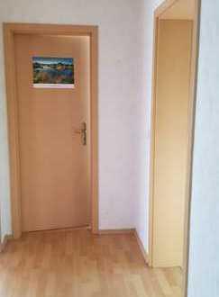 Gepflegte 4-Zimmer-Wohnung mit Balkon und Einbauküche in Niefern-Öschelbronn