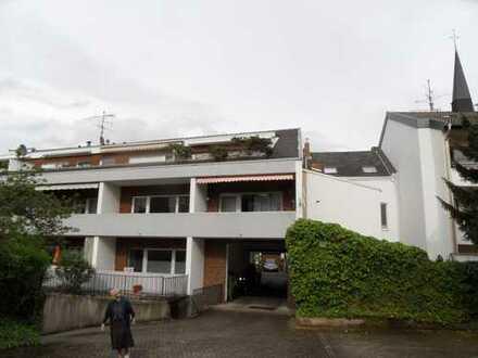Schöne Single Wohnung in excellenter Lage mit TG-Stellplatz