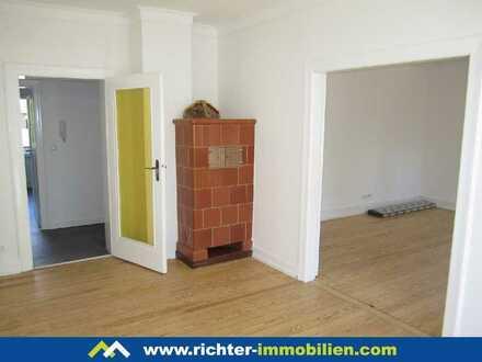 Seckenheimer Landstraße: Frisch renovierte Wohnung mit kleinem Balkon, Garage und Gartennutzung