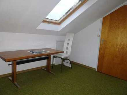 Zimmer in Doppelhaushälfte in Reutlingen