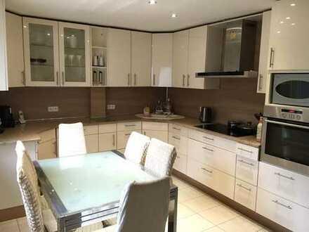 PROVISIONSFREI Zweifamilienhaus in ruhiger Lage von Aßlar Kleinaltenstädten