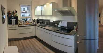 Stilvolle, neuwertige lichtdurchflutete 3-Zimmer-Wohnung mit Balkon und Einbauküche in Tuttlingen