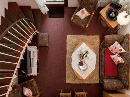 RESERVIERT! Gemütliche 3-Zimmer Maisonette-Ferienwohnung mit EBK, Terrasse, Loggia & TG in Schonach