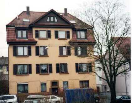 Vollständig renovierte 3-Raum-Wohnung mit Balkon und Einbauküche in Stuttgart-Bad Cannstatt