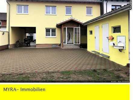 """MIT Baugrundstück **1-2 Familienhaus mit 141 m"""" WFL, schönem Innenhof und großem Garten**"""