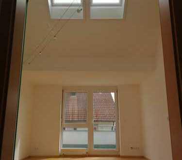 3-Zimmer-DG-Wohnung mit Balkon und Einbauküche