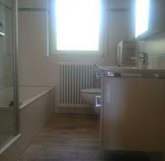 Gepflegte 4-Zi-Wohnung mit schönem Bad, separatem WC, Balkon, EBK