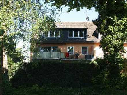 Schöne, modernisierte 2,5-Zimmer-DG-Wohnung mit gehobener Innenausstattung in Dortmund