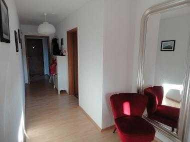 schönes helles WG-Zimmer in Dachwohnung, nur 2 Stationen bis Bonn Hbf.