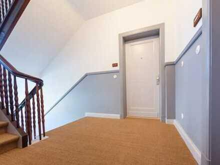 Wunderschöne Dachgeschoss-Wohnung im roten Klinkeraltbau zu verkaufen - glindweg7.de