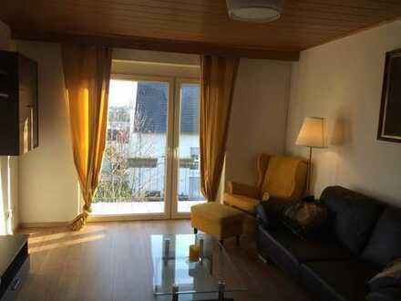 Stilvolle, komplett möbelierte und gepflegte 2-Zimmer-Wohnung mit Balkon und EBK in Wernau (Neckar)