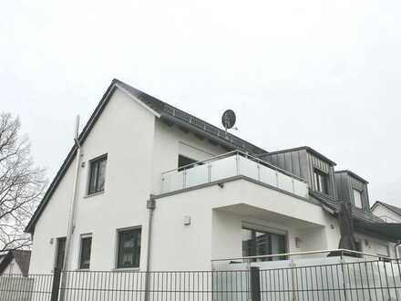Klick Mich: Gerolfing - Sehr schöne 2 ZKB Dachgeschoss-Wohnung mit grossem Balkon