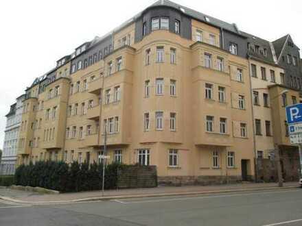 Schöne 2-Zimmer-Wohnung im 2. OG mit Balkon und Fahrstuhl in Plauen (Preißelpöhl)