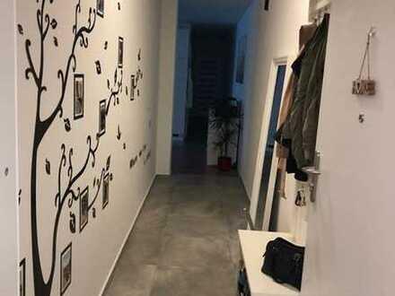 Sanierte 2-Zimmer-Hochparterre-Wohnung mit Balkon und EBK in Rottweil