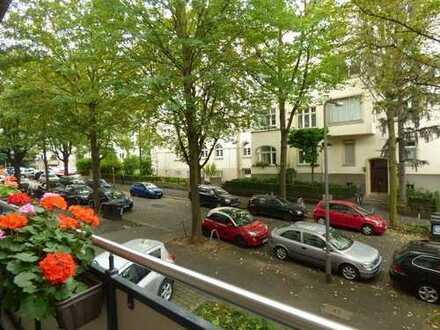 Dichterviertel, tolle 2 Zimmerwohnung mit Balkon und EBK