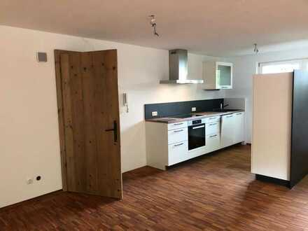 Erstbezug nach Sanierung: schöne 1-Zimmer-Wohnung mit EBK in Ilsfeld