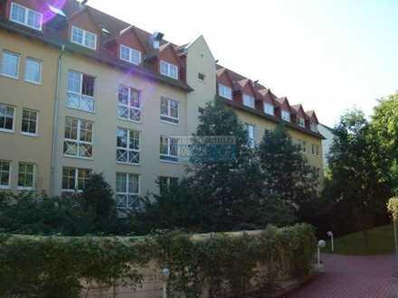 Ruhiges & voll möbliertes Apartment * Nebenkosten pauschal * Terrasse ins Grüne * Pantry-Küche