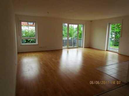 Sehr schöne 3 Zimmer Wohnung im 1.OG in Isen mit Einbauküche in einem gepflegtem Mehrfamilienhaus