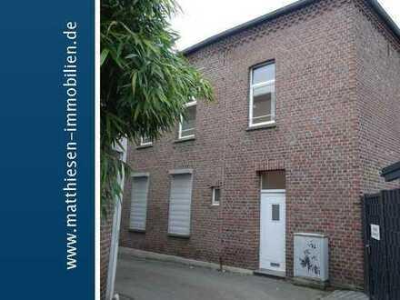 Individuelle 2-Zimmer Wohnung auf 2 Etagen mit eigenem Eingang!