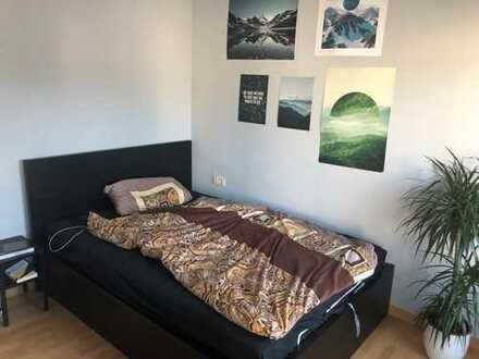 Zimmer in 2er WG in der südlichen Innenstadt 14m2 mit Wohnzimmer