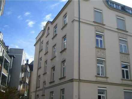 Stilvolle, sanierte 3-Zimmer-Wohnung mit EBK im Bismarckviertel